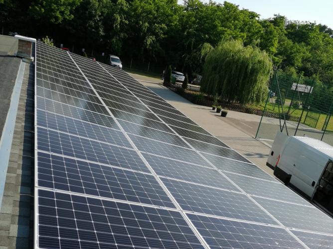 21,6 kWp Sharp napelemes rendszer, SolarEdge SE17K inverter, Budapest
