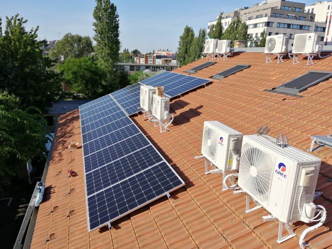 11,4 kWp Sharp napelemes rendszer SolarEdge SE10K inverterrel, Budapest