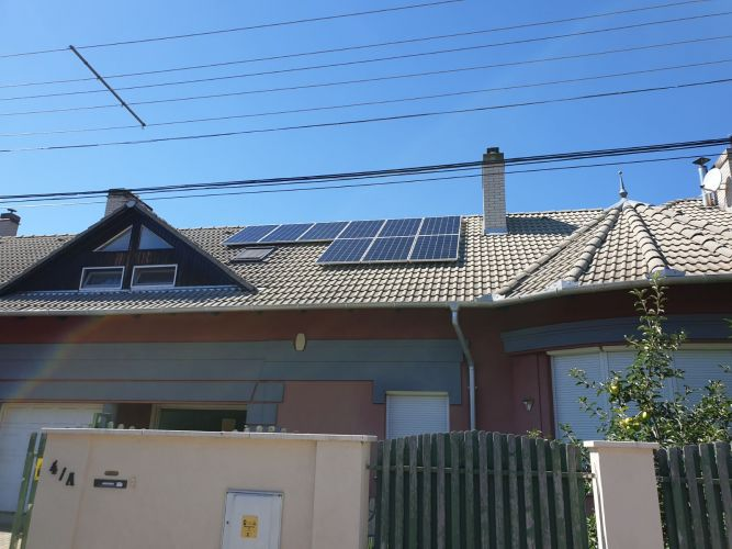 3,33 kWp Sharp napelemes rendszer SolarEdge inverterrel, Szeged