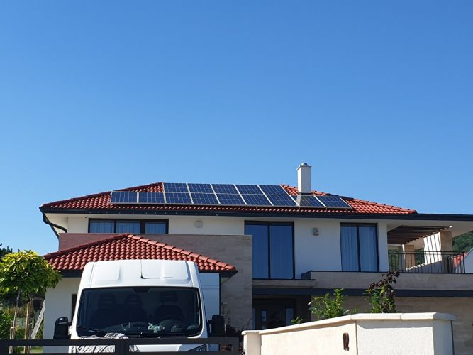 5,39 kWp Sharp napelemes rendszer SolarEdge inverterrel, Balatonfüred