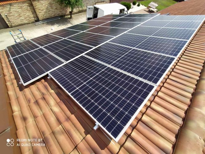 7,7 kWp Sharp napelemes rendszer Fronius Symo inverterrel, Monor