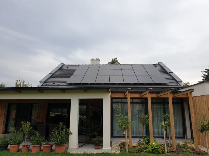 6,32 kWp Sharp napelemes rendszer Fronius inverterrel, Lajoskomárom