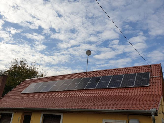 5,13 kWp Sharp napelemes rendszer Fronius inverterrel, Kiskunmajsa
