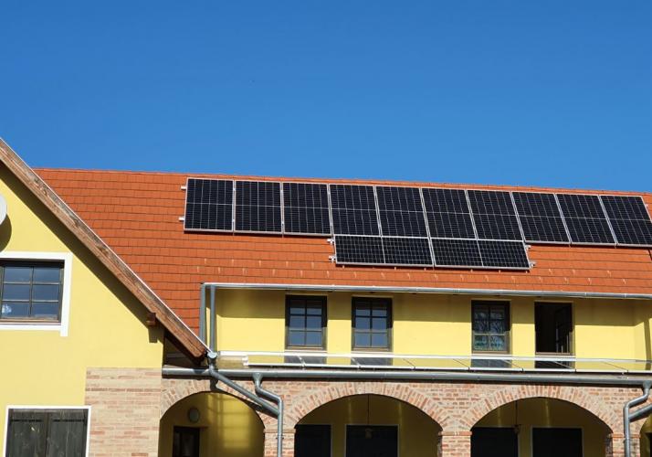 7,9 kWp Sharp napelemes rendszer SolarEdge inverter, Barlahida Natúrpark