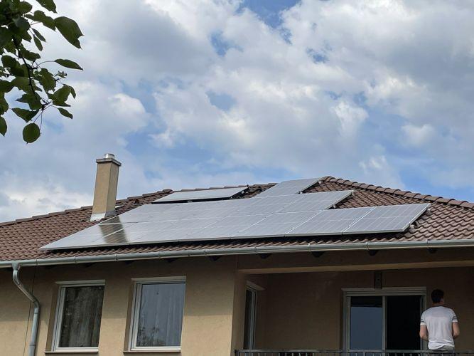 7,5 kWp Sharp napelemes rendszer Huawei inverterrel, Dunakeszi